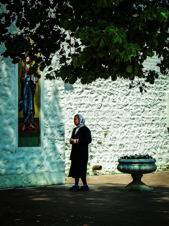 Monastère de St George dans la ville russe de la région de Meshchovsk Kaluga photographie stock libre de droits