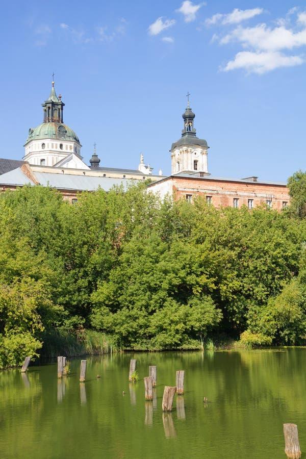 Monastère - forteresse des Carmélites, Berdychiv photos stock