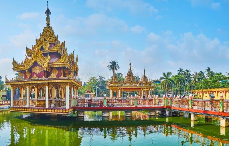 Monastère historique dans la banlieue noire de Bahan, Yangon, Myanmar photos libres de droits
