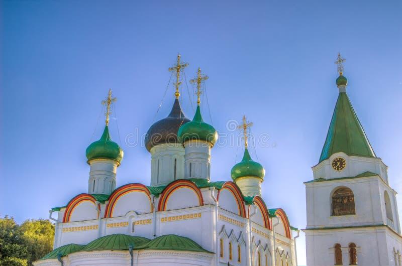 Monastério da ascensão de Pechersky em Nizhny Novgorod imagem de stock royalty free