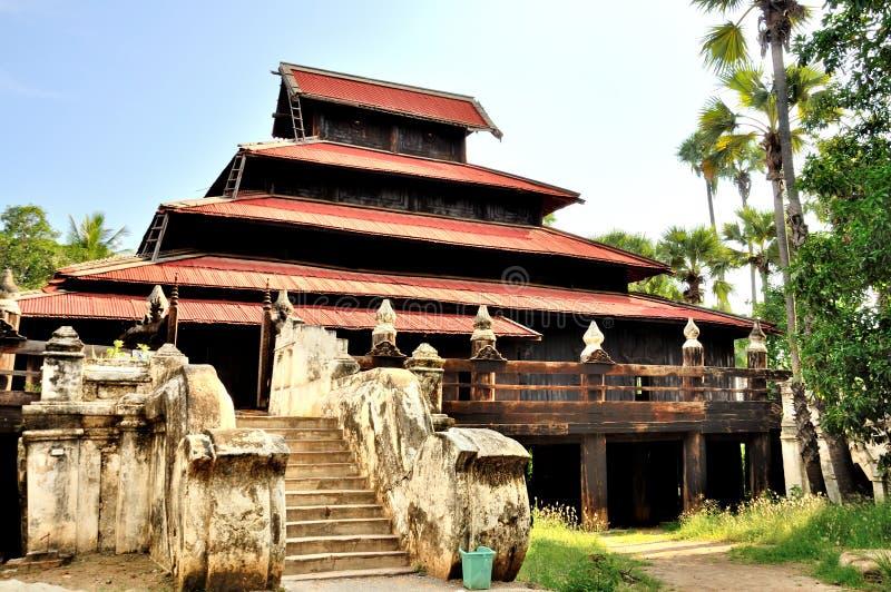 Monastério de Bagaya, Inwa foto de stock