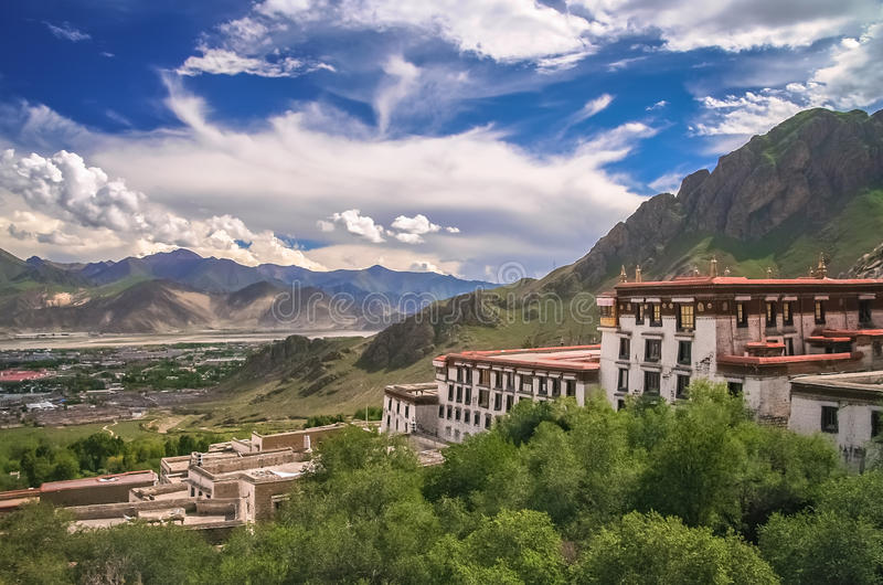 Monastério de Jokhang perto de Lhasa imagens de stock royalty free
