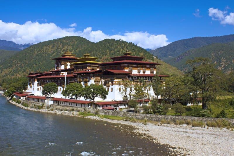 Monastério de Punakha em Butão Ásia imagens de stock royalty free