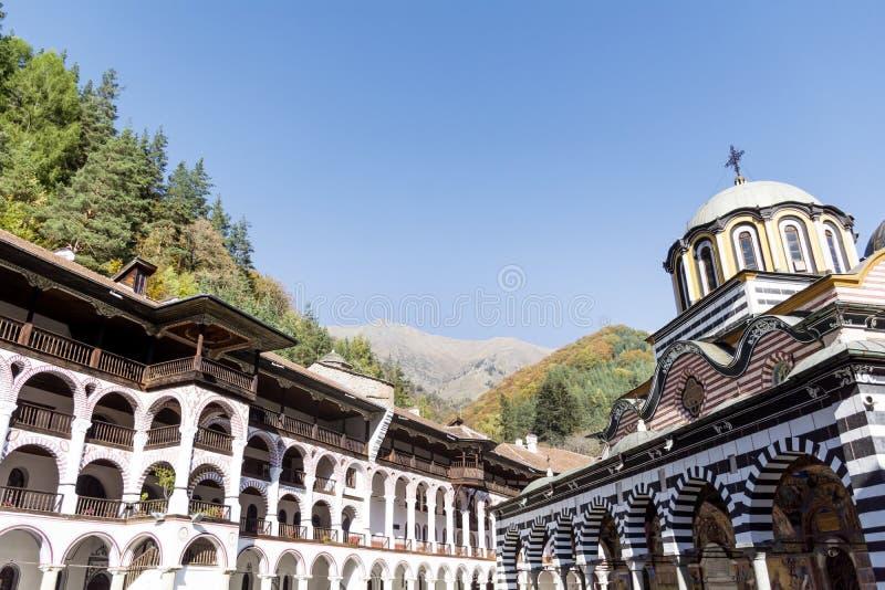 Monastério de Rila na montanha de Rila fotos de stock royalty free