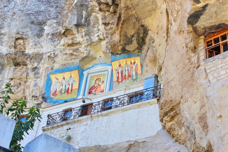 Monastério de Uspenskiy em Crimeia perto de Bakhchisarai fotos de stock royalty free