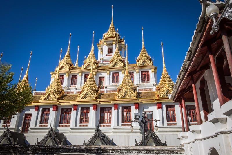 Monastério do ferro de Loha Prasat em Wat Ratchanatdaram Temple do th imagens de stock royalty free