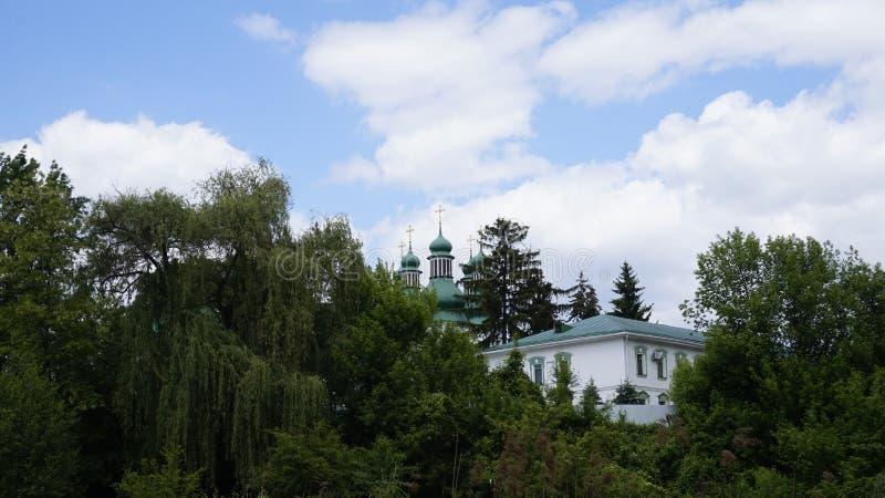 Monastério na área deserta de Kitaevo fotos de stock