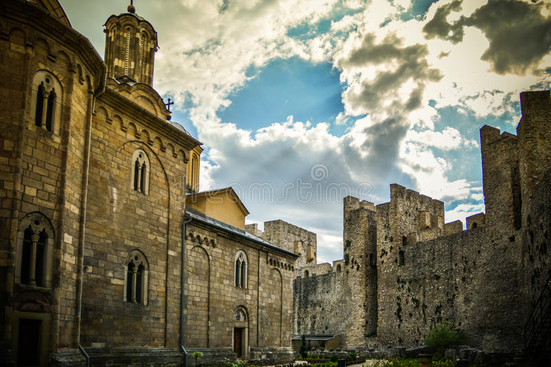 Monastério ortodoxo sérvio Manasija foto de stock royalty free