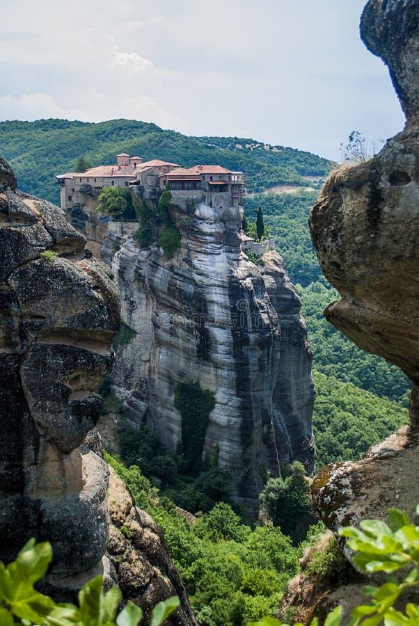 Monastérios de Meteora em Trikala, Grécia fotos de stock