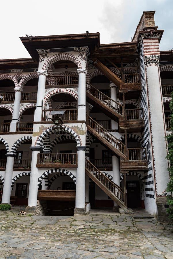 Monast?re de Rila, Bulgarie Le monast?re de Rila est le plus grand et le plus c?l?bre monast?re orthodoxe oriental photo stock