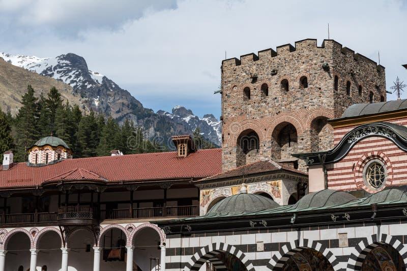 Monast?rio de Rila, Bulg?ria O monast?rio de Rila ? o monast?rio Ortodoxa Oriental o maior e o mais famoso imagens de stock