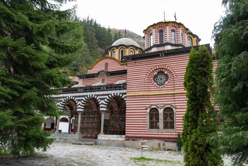 Monast?rio de Rila, Bulg?ria O monast?rio de Rila ? o monast?rio Ortodoxa Oriental o maior e o mais famoso foto de stock royalty free