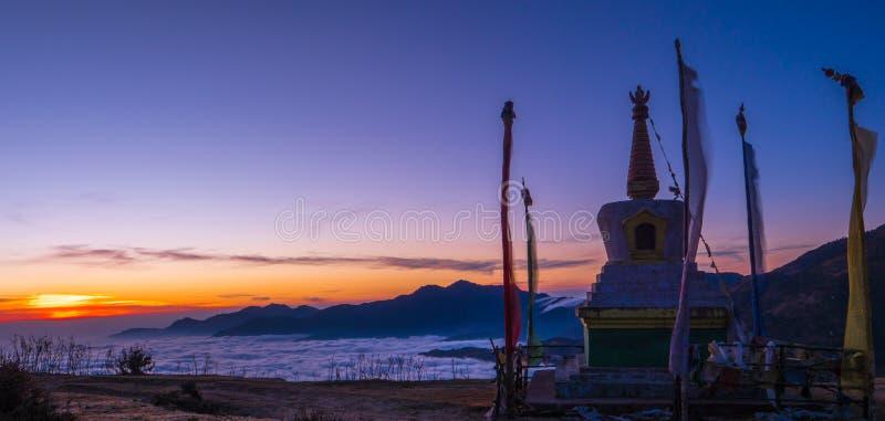 Monaster na górze góry zdjęcie royalty free