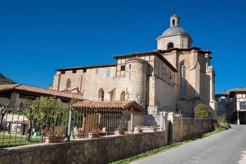 Monasterio antiguo de Valpuesta, origen del lenguage español oficina imagenes de archivo