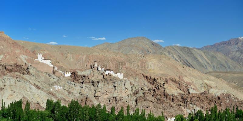Monasterio budista en el pueblo de Basgo en Ladakh en la India fotos de archivo libres de regalías