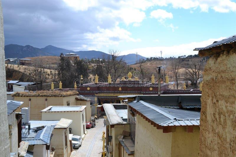 Monasterio budista tibetano de Songzanlin, La de Shangri, Xianggelila, provincia de Yunnan, China fotos de archivo