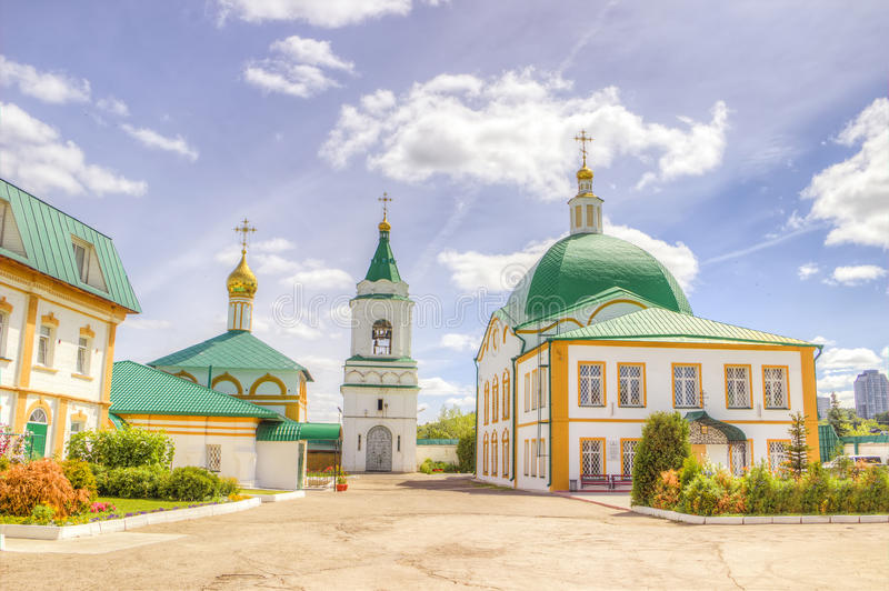 Monasterio Cheboksari Rusia de la trinidad santa imagen de archivo libre de regalías