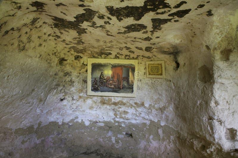 Monasterio de Aladzha - complejo cristiano ortodoxo del monasterio de la cueva bulgaria fotografía de archivo