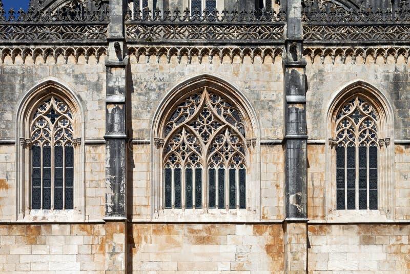 Monasterio de Batalha Las ventanas góticas en el tracery de la Capela hacen Fundador imágenes de archivo libres de regalías