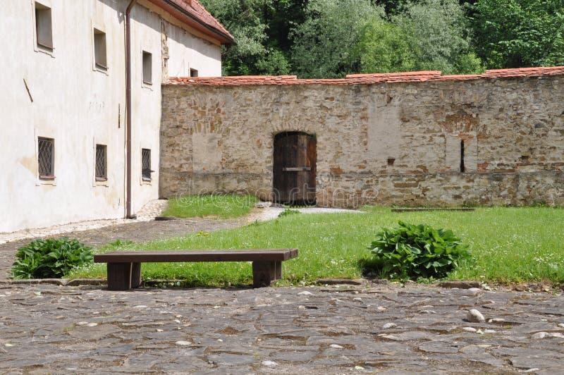 Monasterio de Cerveny Klastor en Eslovaquia imagen de archivo
