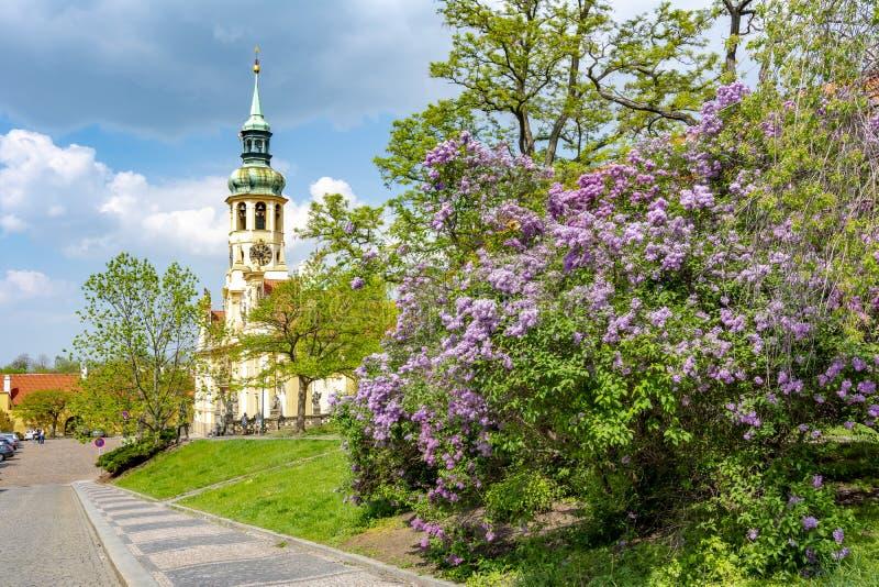 Monasterio de Loreta en la primavera, Praga, República Checa foto de archivo libre de regalías