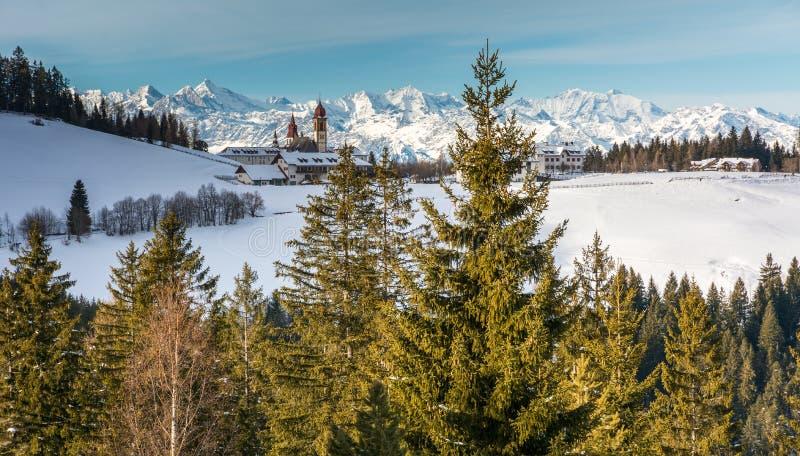 Monasterio de Pietralba cerca de Monte San Pietro, Nova Ponente, el Tyrol del sur, Italia El santuario más importante del Tyrol d imagen de archivo