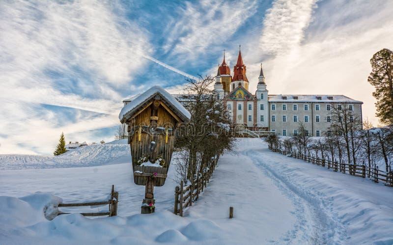 Monasterio de Pietralba cerca de Monte San Pietro, Nova Ponente, el Tyrol del sur, Italia El santuario más importante del Tyrol d imagen de archivo libre de regalías