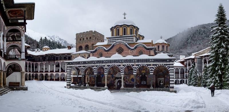 Monasterio de Rila en la nieve fotos de archivo libres de regalías