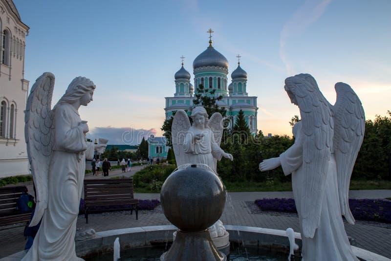 Monasterio de Serafim-Diveyevo del santo de la trinidad santa fotos de archivo libres de regalías