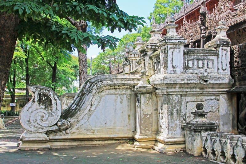 Monasterio de Shwenandaw, Mandalay, Myanmar imágenes de archivo libres de regalías