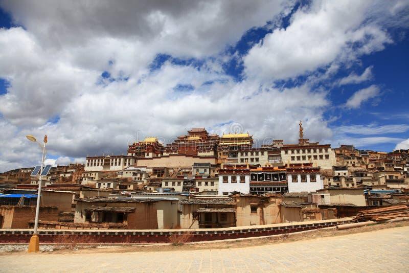 Monasterio de Songzanlin en Zhongdian, China imagen de archivo libre de regalías