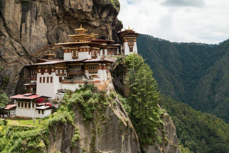 Monasterio de Taktsang Palphug (también conocido como la jerarquía del tigre), Paro, Bhután imagenes de archivo
