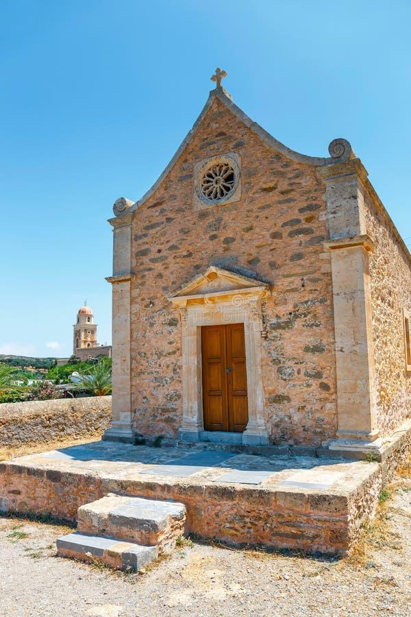 Monasterio de Toplou cerca de la playa de Vai, imágenes de archivo libres de regalías