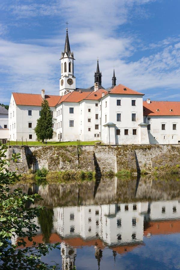 Monasterio e iglesia góticos cistercienses, Vyssi Brod, región bohemia meridional imagenes de archivo