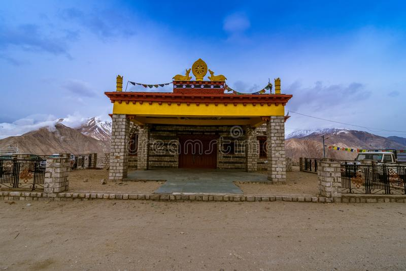 Monasterio en el pueblo de Nako, valle de Kinnaur, Himachal Pradesh fotos de archivo