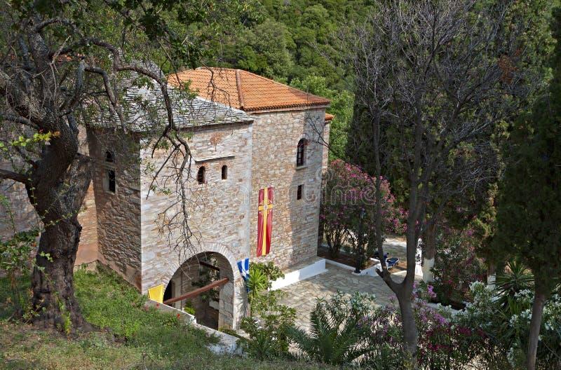 Monasterio en la isla de Skiathos en Grecia fotografía de archivo libre de regalías