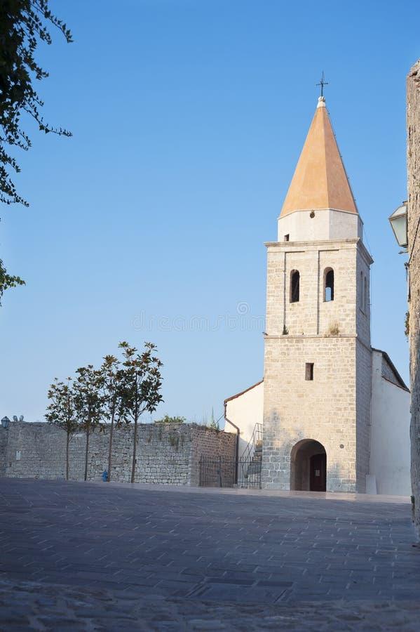 Monasterio franciscano en la ciudad de Krk. Isla de Krk, Croacia. imagen de archivo