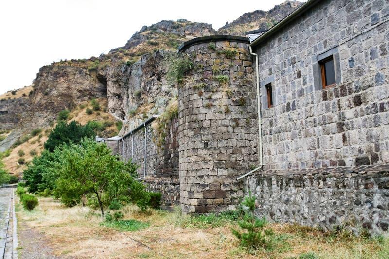 Monasterio medieval del geghard en Armenia fotos de archivo