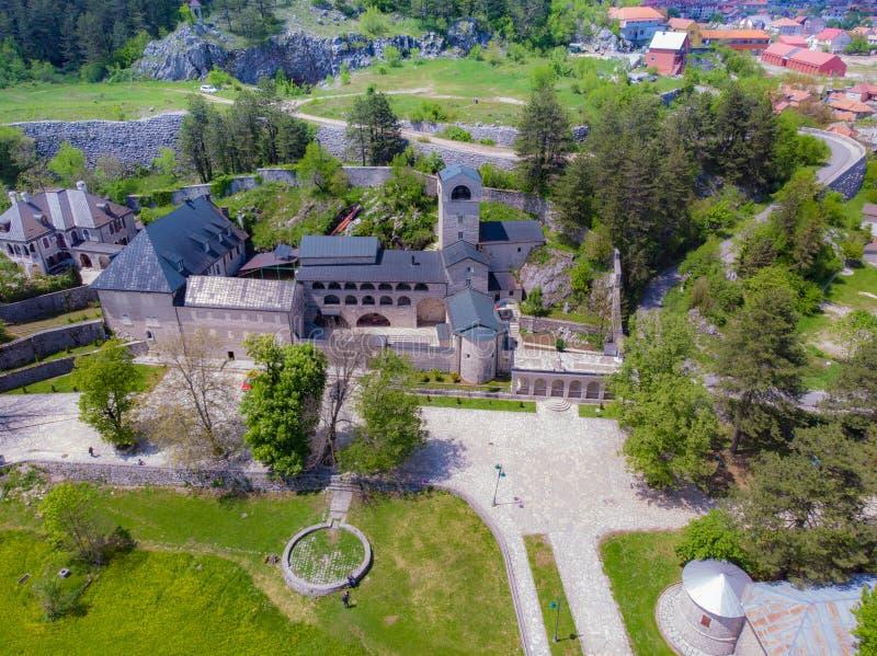 Monasterio ortodoxo de la natividad de la Virgen Mar?a bendecida en Cetinje, Montenegro imagenes de archivo