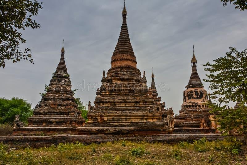 Monasterio Stupas, Mandalay, Myanmar de Bagaya imagen de archivo libre de regalías