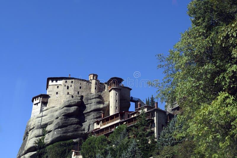 Monasterio y cielo de Meteora imagen de archivo libre de regalías