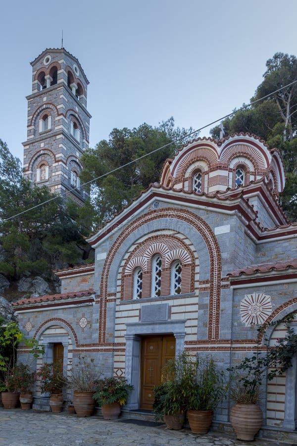 Monastero Agios Georgios, situato nella gola di Selinari su Creta, la Grecia immagini stock