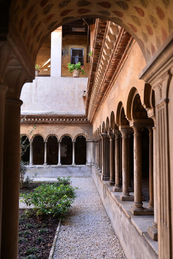 Monastero Agostiniano Quattro Coronati, Roma, Italia immagine stock libera da diritti