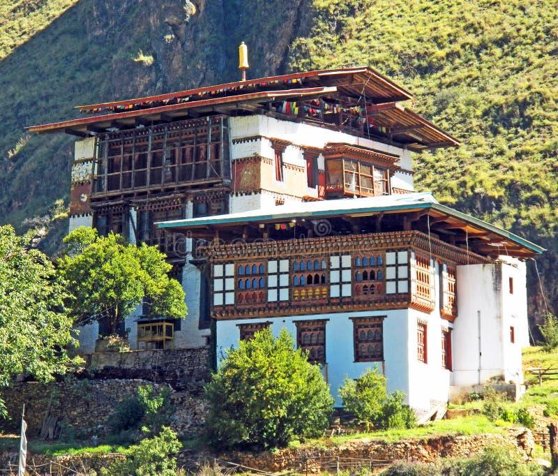 Monastero buddista del Bhutanese sulla montagna in Timphu fotografie stock libere da diritti
