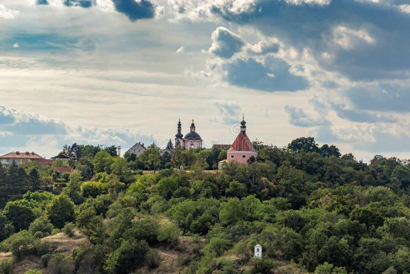 Monastero, chiesa della chiesa della st Hippolytus e di St Anthony, Znojmo, Moravia del sud, repubblica Ceca immagini stock libere da diritti