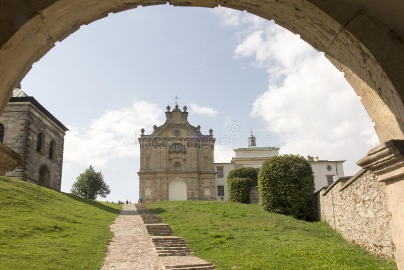 Monastero del benedettino e basilica, incrocio santo, Swietokrzyskie m. fotografia stock