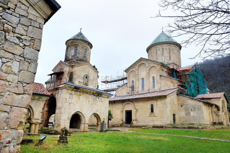 Monastero di Gelati, un complesso monastico medievale vicino a Kutaisi, nella regione di Imereti di Georgia occidentale fotografia stock libera da diritti