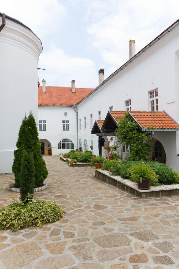Monastero di Krusedol in Fruska Gora, Serbia immagine stock libera da diritti