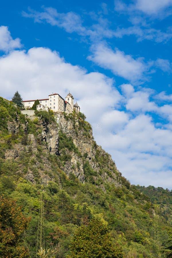 Monastero di Sabiona, Schloss Saben, Chiusa, Italien, auf Berg lizenzfreies stockbild
