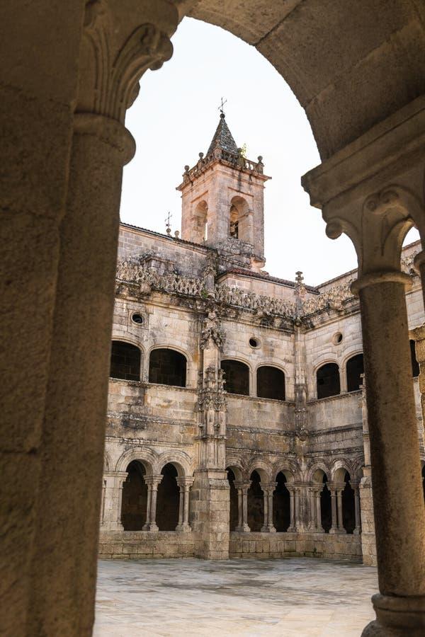 Monastero di Santo Estevo de Ribas de Sil: una giornata tranquilla immagini stock